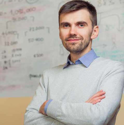 Павел Ковтонюк: «Разрабатывая список платных услуг, Минздрав не отменяет бесплатную медицину»