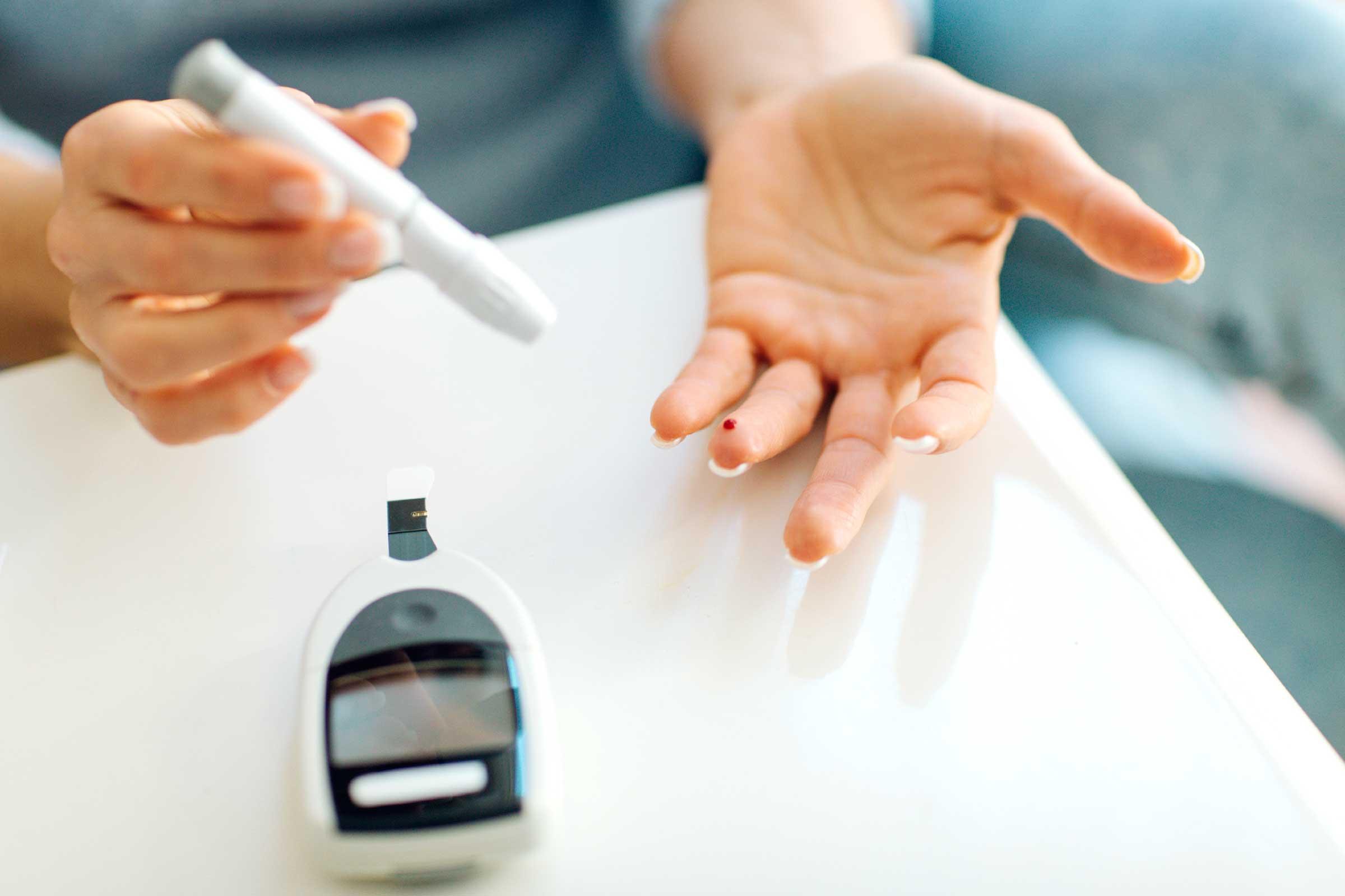 Всемирный день борьбы с диабетом: где бесплатно проверить уровень сахара в крови?